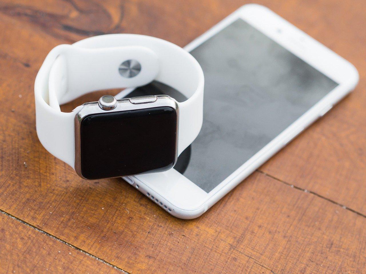 iphone, iwatch, smartphone